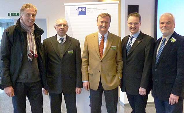 TKG-Projektleiter Tilo Deckert (2.v.l.) informierte über mögliche Erschließung   (Foto: plbg)