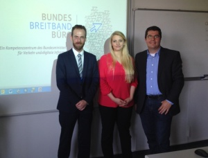 Beim ersten Seminar in NRW: Marc Kastner, Breitbandbüro des Bundes, Claudia Motzek, BreitbandConsulting.NRW und Stefan Glusa, Telekommunikationsgesellschaft Südwestfalen